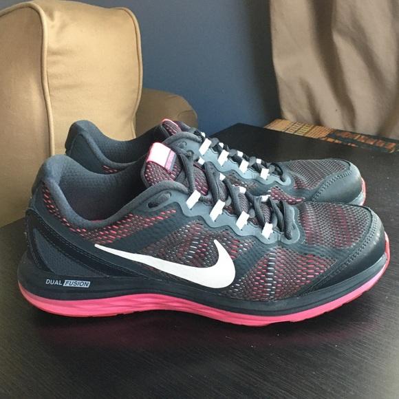 Women's Nike Dual Fusion Run 3 Sneaker